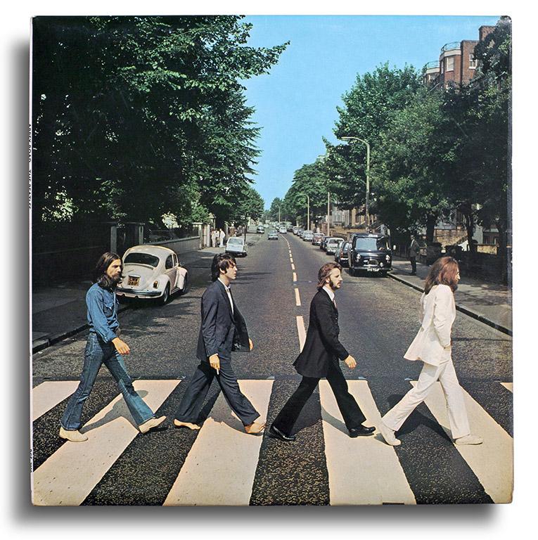 Vinyl: The Beatles, Abbey Road, Apple Records – PCS 7088. Inglaterra, 1969. Photograph by Iain Macmillan. Designed by John Kosh.